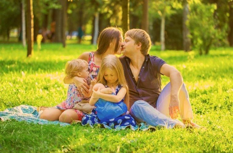 beneficios lactancia materna familia sociedad