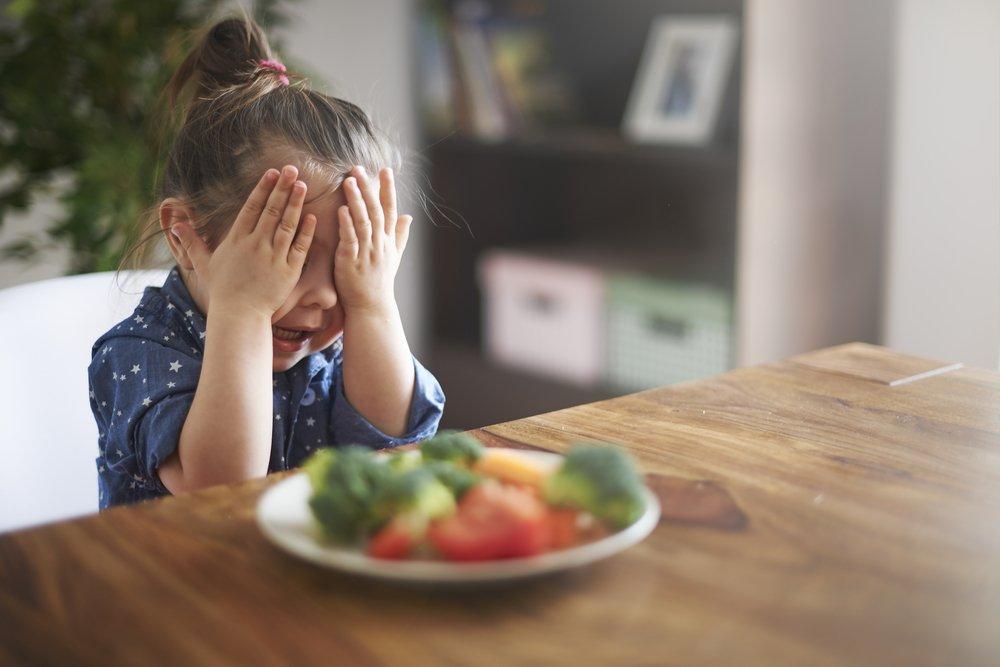 No obligar a comer niña