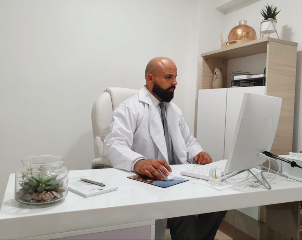 Dr. Jorge Alberto Lambis