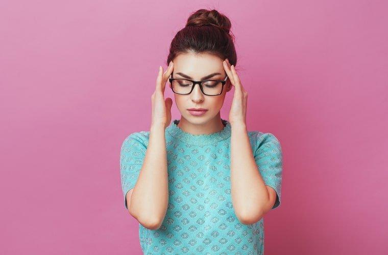 Mujer pensando - entrenar mente