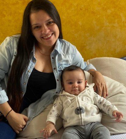 Viviana Mendoza y el pequeño Mateo