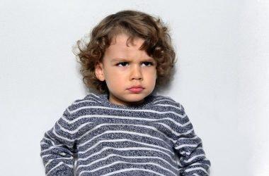 nino con frustracion