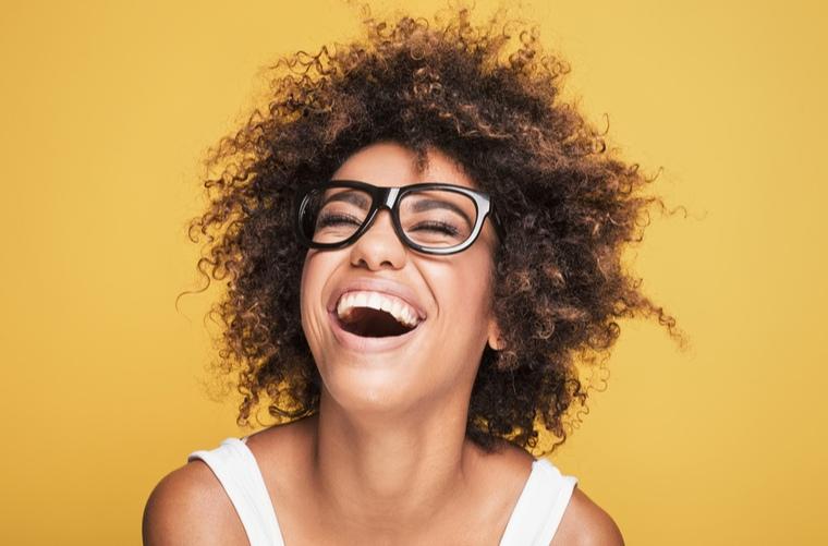 15 beneficios de la risa para la salud y el bienestar